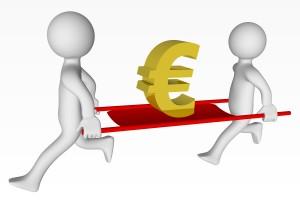 Des personnages portant un sigle euro sur un brancard