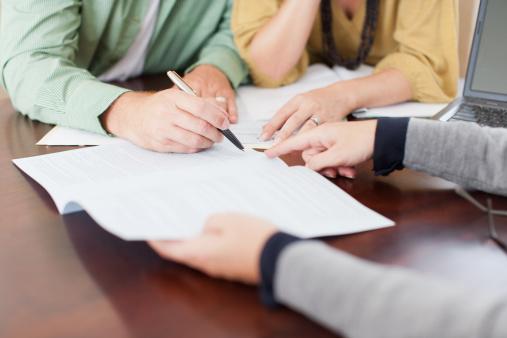 Il faut aller devant un notaire pour établir une hypothèque. Source image : Gettyimages