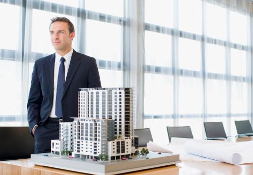 Avec l'allègement de la loi Duflot, c'est le moment d'investir dans un programme immobilier neuf. / Source image : Gettyimages
